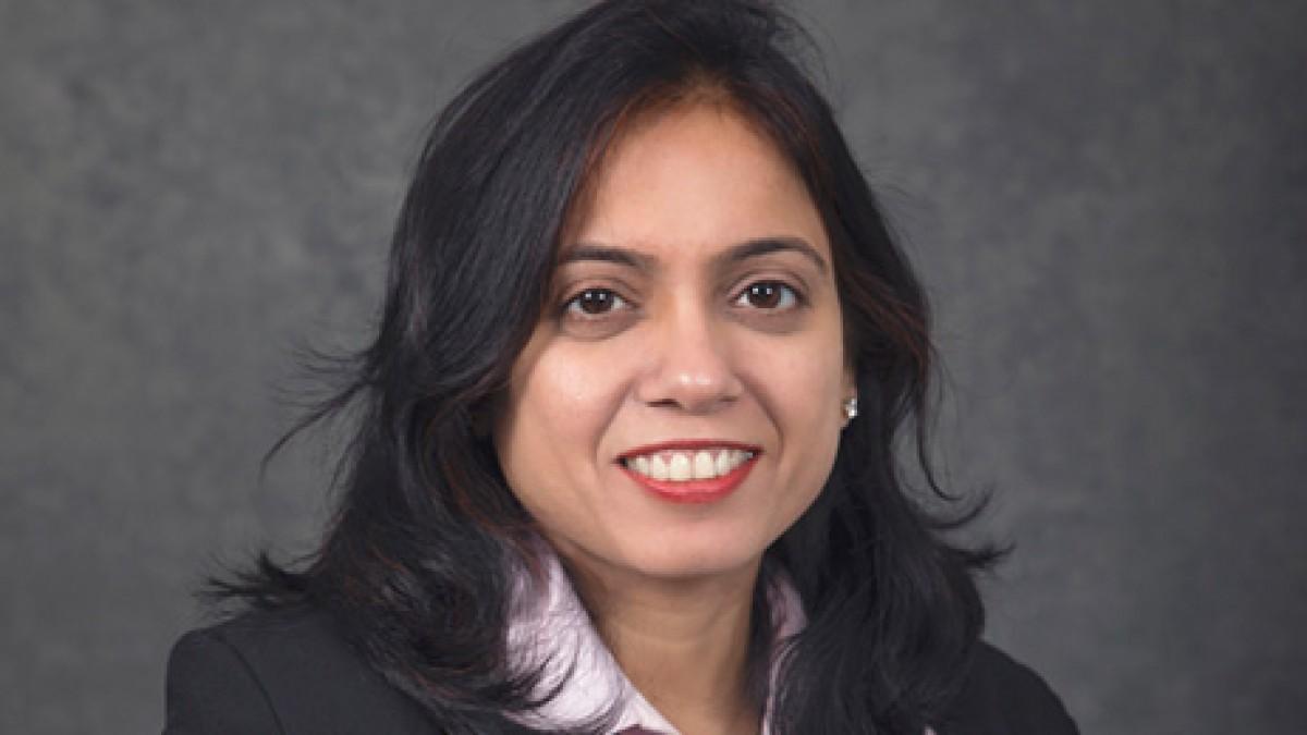 Dr Deepa Singhal